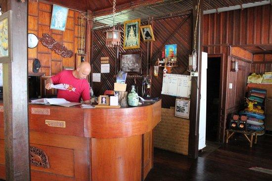 Koh Tao Royal Resort : Bar/Accueil