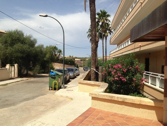 Insotel Cala Mandia Resort: The view from reception
