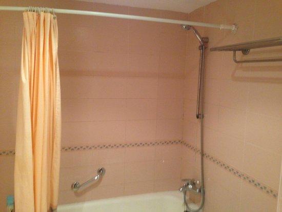 Insotel Cala Mandia Resort: Bathroom