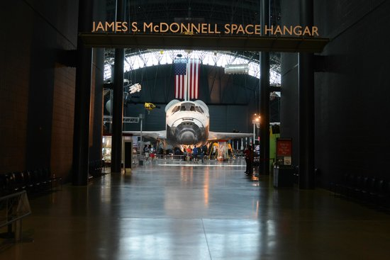 Smithsonian National Air and Space Museum Steven F. Udvar-Hazy Center: Space Shuttle Discovery!