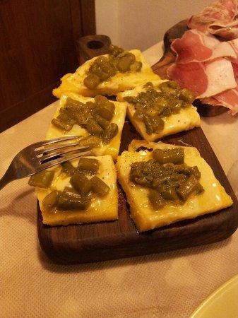 Osteria Le Fate Briache : polenta con provola e asparagi