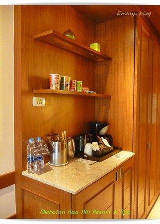 Sheraton Hua Hin Resort & Spa: มินิบาร์