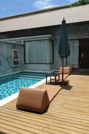 Bandara Resort & Spa: Suite - Regular rooms have 3 floors.