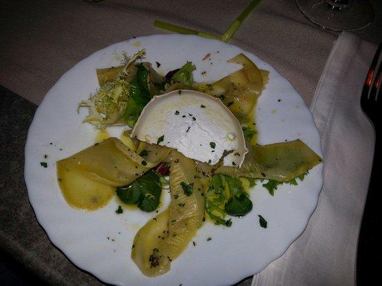 Osteria Del Porto: Tapa calabacin macerado y queso de cabra