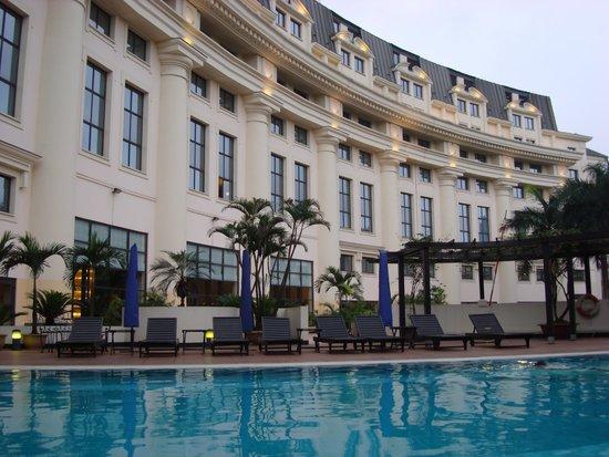 Hilton Hanoi Opera: Pool