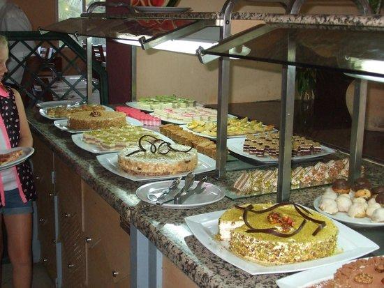 Dar Khayam Hotel : desserts..a good choice