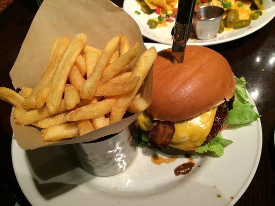 Hard Rock Cafe: Hickory burger