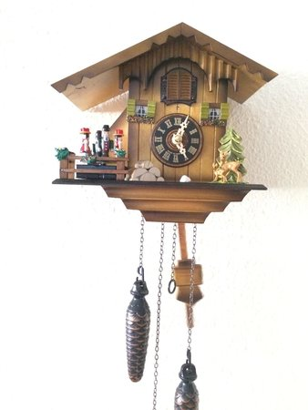 House of Black Forest Clocks: Mirar que precioso Ya forma parte de la familia