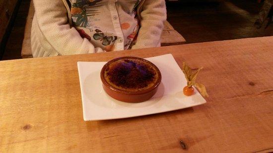 restaurant l'épicéa : Crème brulée flambée à la Chartreuse