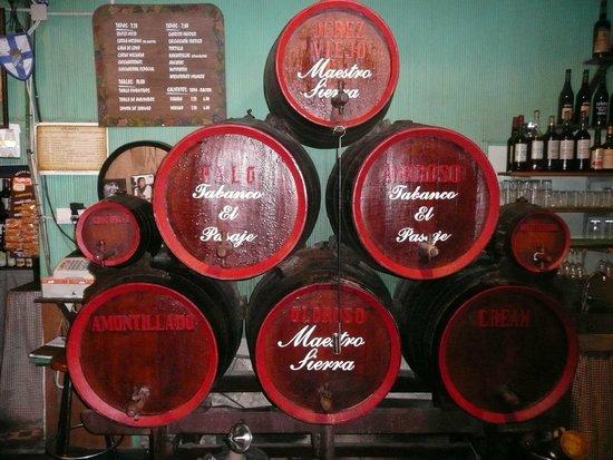 Tabanco El Pasaje: Bar