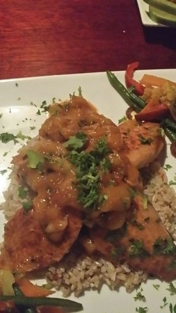 Jungle Love Cafe: Mango chicken