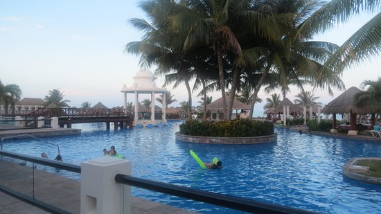 Now Sapphire Riviera Cancun : Pool View
