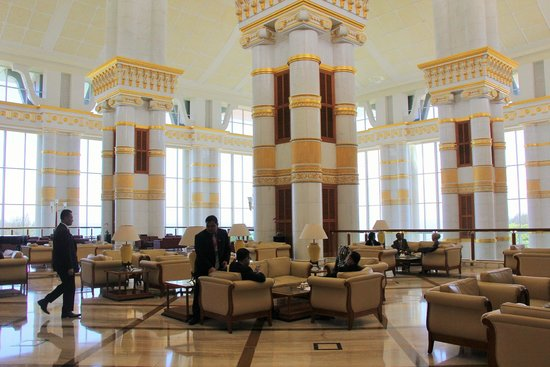 The Empire Hotel & Country Club : Lobby cafe