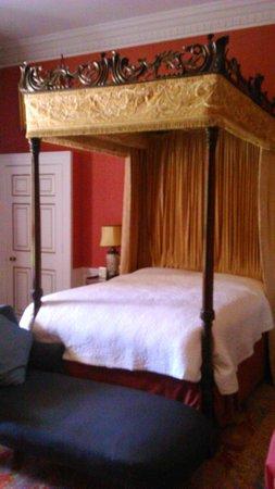 Sledmere House: Bedroom