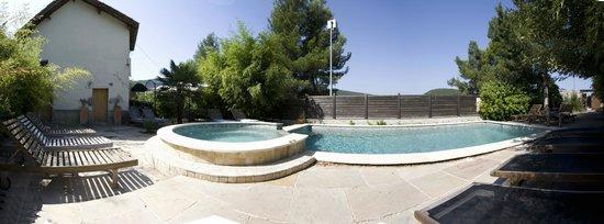 La Fête en Provence: piscine