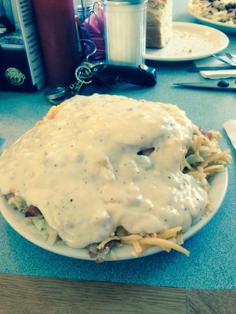 Carols' Corner Cafe: The works! Half order with country gravy!