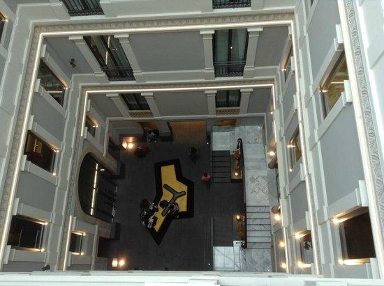 Hotel Urquinaona : Uitzicht op receptie