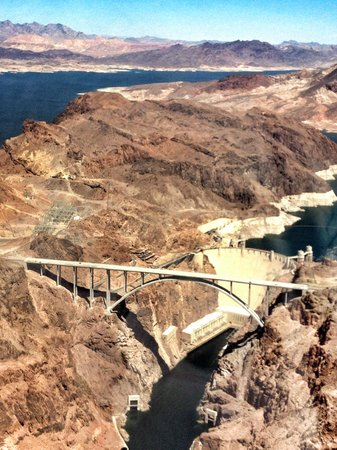 Maverick Helicopters : Hoover Dam