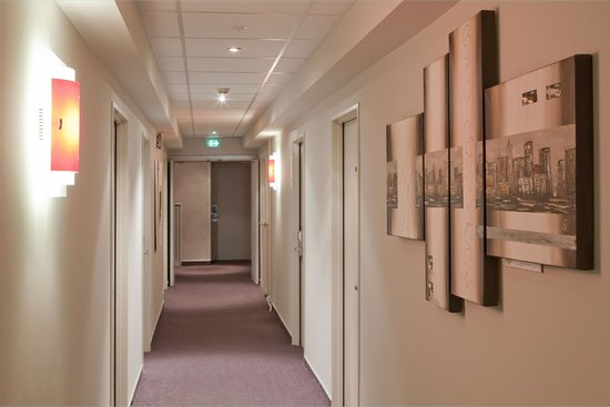 Europe Hotel : Couloir chambre confort