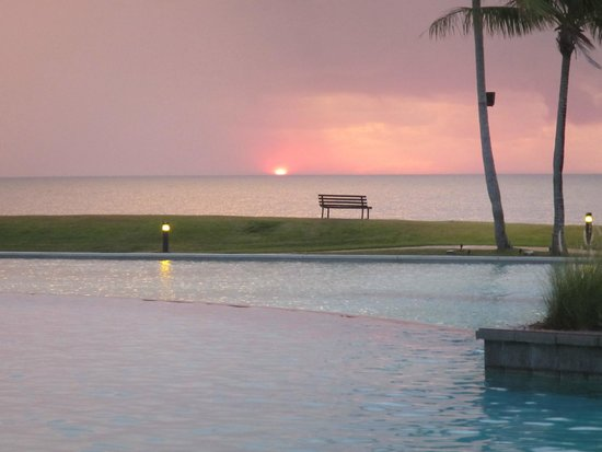 The Empire Hotel & Country Club : Sunset from the pool
