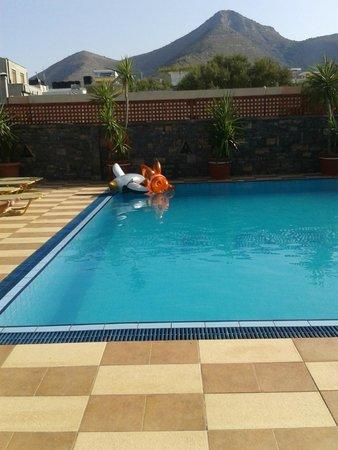 Corali Studios & Portobello Apartments: piscina