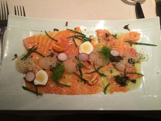 Verdi: Marriage of smoked salmon and scallops - starter