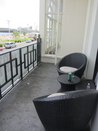 Best Western Plus Dover Marina Hotel & Spa: balcony of bridal suite