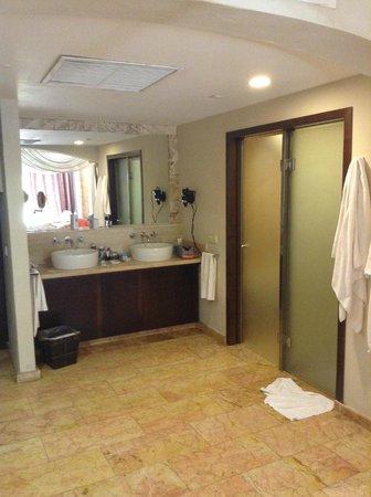 Majestic Elegance Punta Cana: Bathroom