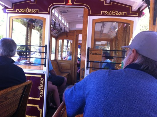 Historic Jacksonville Trolley Tour: Riding on the Trolley Tour
