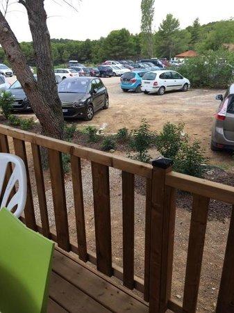 VVF Villages Montagnac-Mediterranee: Vue sur le parking