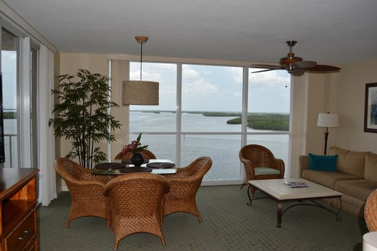 Lovers Key Resort : Livingroom with a view