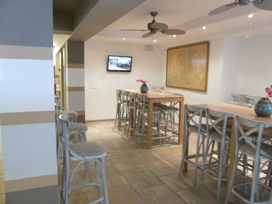 Floris Karos Hotel: Other breakfast area