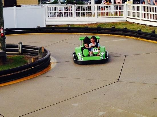 Corolla Adventure Golf and Bumper Cars: solo racers