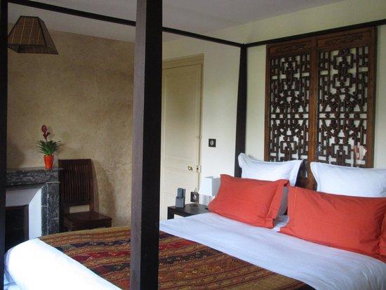 Maison de la Garenne : stunning room over looking front of house