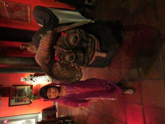 Hotel Tugu Bali: 骨董品のバロン