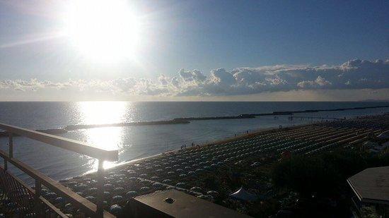 Hotel Cola : super vue à 7h00 du matin de notre terrasse.