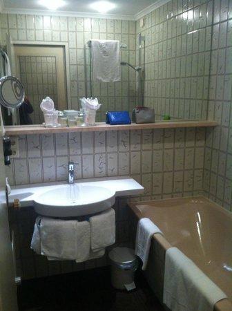 Hotel Kendler: Baño