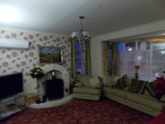 The Monsell Hotel: Lounge