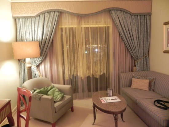Peermont D'oreale Grande at Emperors Palace: room larger than life