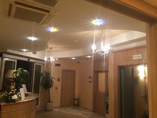 """Hotel Boracay Alba Adriatica: """"Reception"""""""