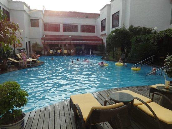 Grand Bravo Guilin: Pool