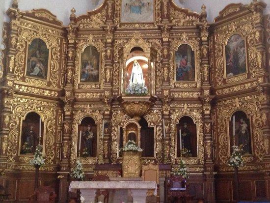 El Atrio del Convento de Izamal: Church architecture was beautiful