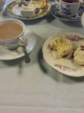 The Ploughcroft Tea Room: Tea and scones for two