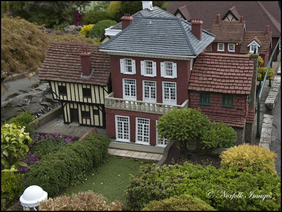 Bekonscot Model Village : House