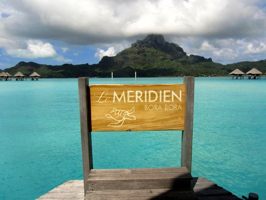 Le Meridien Bora Bora: hotel dock