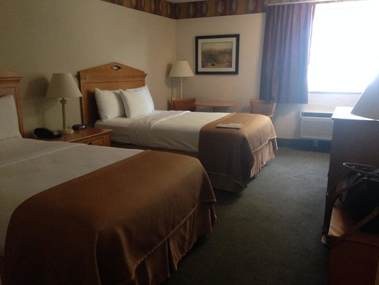 Bayside Resort Hotel: Double beds