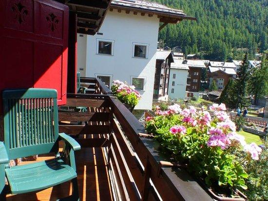 Alpina Hotel : balcon