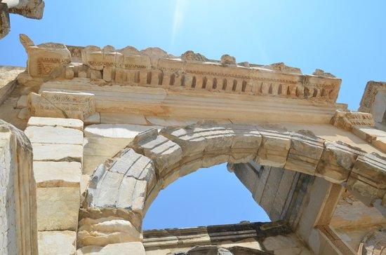 Magical Steps Travel: Tour a Epheso
