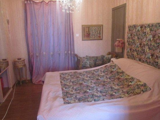 Aspioti - Pipitsa Luxury Apartments: Room 5 - Towards Patio