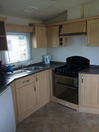 Cresswell Towers Holiday Park - Park Resorts: kitchen silver plus